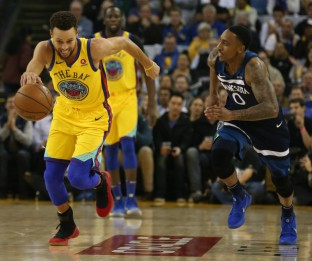 Minnesota Timberwolves at Golden State Warriors NBA Basketball Oracle Arena Oakland